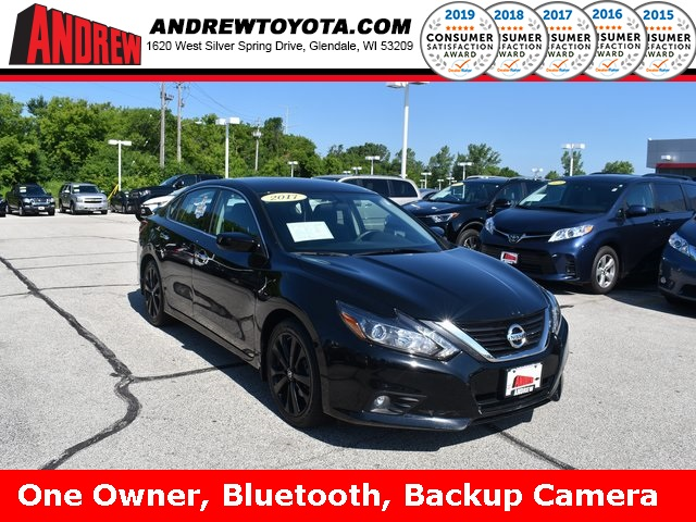 Stock #: TP9926 Black 2017 Nissan Altima 2.5 SR 4D Sedan in Milwaukee, Wisconsin 53209