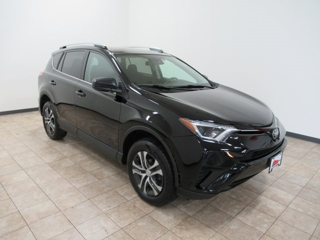 Stock #: TP1472 Black 2017 Toyota RAV4 LE 4D Sport Utility in Milwaukee, Wisconsin 53209