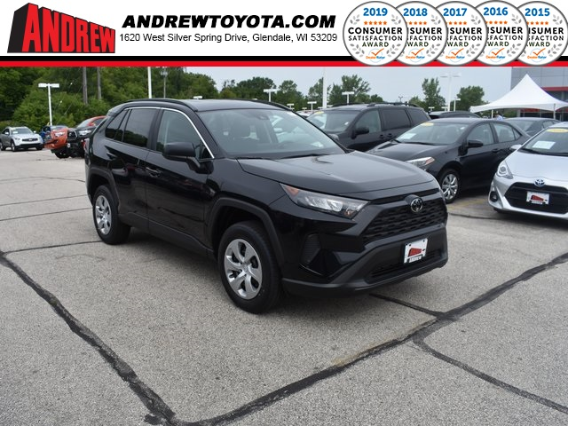 Stock #: 38393 Black 2019 Toyota RAV4 LE 4D Sport Utility in Milwaukee, Wisconsin 53209