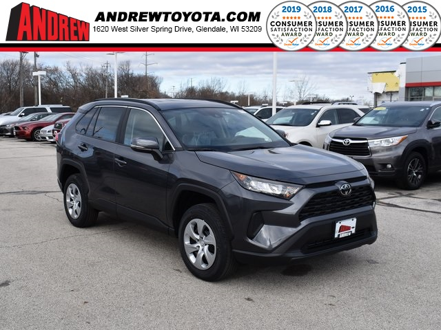 Stock #: 38999 Magnetic Gray Metallic 2020 Toyota RAV4 LE 4D Sport Utility in Milwaukee, Wisconsin 53209