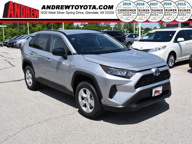 Stock #: 38109 Silver 2019 Toyota RAV4 Hybrid LE 4D Sport Utility in Milwaukee, Wisconsin 53209
