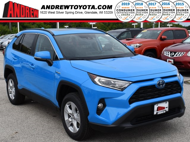 Stock #: 38577 Blue 2019 Toyota RAV4 Hybrid XLE 4D Sport Utility in Milwaukee, Wisconsin 53209