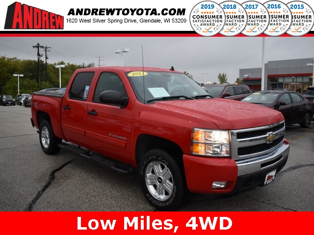 Stock #: KB1073 Red 2011 Chevrolet Silverado 1500 LT 4D Crew Cab in Milwaukee, Wisconsin 53209