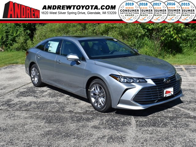Stock #: 39621 Celestial Silver Metallic 2020 Toyota Avalon XLE 4D Sedan in Milwaukee, Wisconsin 53209