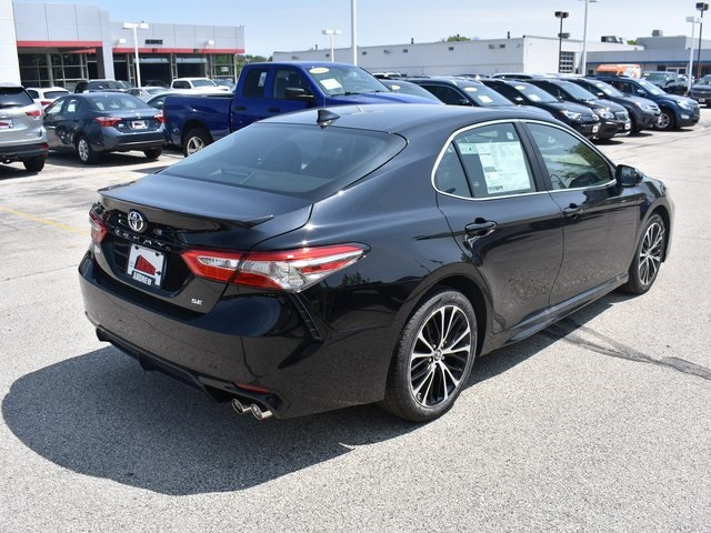 New 2019 Toyota Camry Se 4d Sedan In Milwaukee 37595 Andrew Toyota