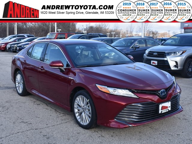 Stock 37630 Red 2019 Toyota Camry Hybrid Xle 4d Sedan In Milwaukee Wisconsin