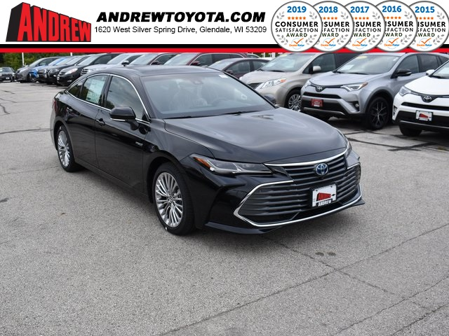 Stock #: 38689 Black 2020 Toyota Avalon Hybrid Limited 4D Sedan in Milwaukee, Wisconsin 53209