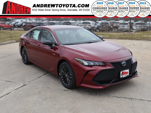 Stock #: 39474 Ruby Flare Pearl [extra_cost_color] 2020 Toyota Avalon Hybrid XSE 4D Sedan in Milwaukee, Wisconsin 53209