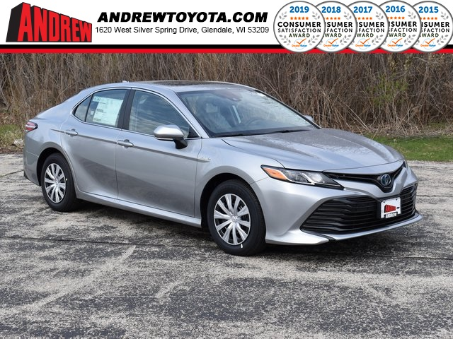 Stock #: 39440 Celestial Silver Metallic 2020 Toyota Camry Hybrid LE 4D Sedan in Milwaukee, Wisconsin 53209