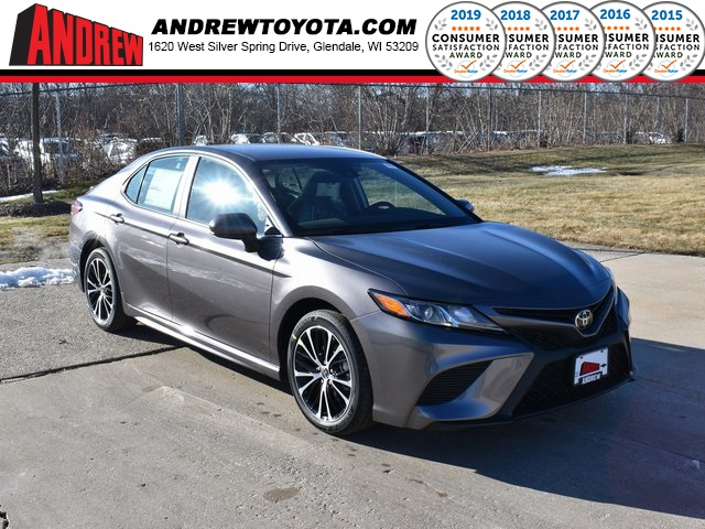 Stock #: 39050 Predawn Gray Mica 2020 Toyota Camry SE 4D Sedan in Milwaukee, Wisconsin 53209