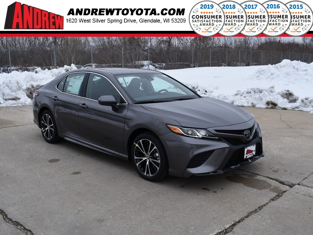 Stock #: 39090 Predawn Gray Mica 2020 Toyota Camry SE 4D Sedan in Milwaukee, Wisconsin 53209