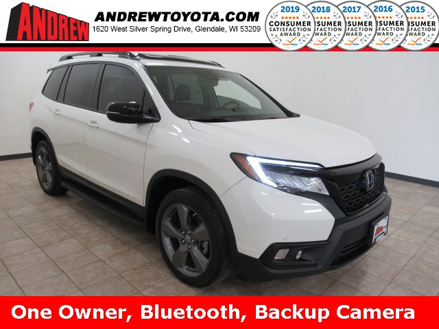 Stock #: 38724A White 2019 Honda Passport Touring 4D Sport Utility in Milwaukee, Wisconsin 53209