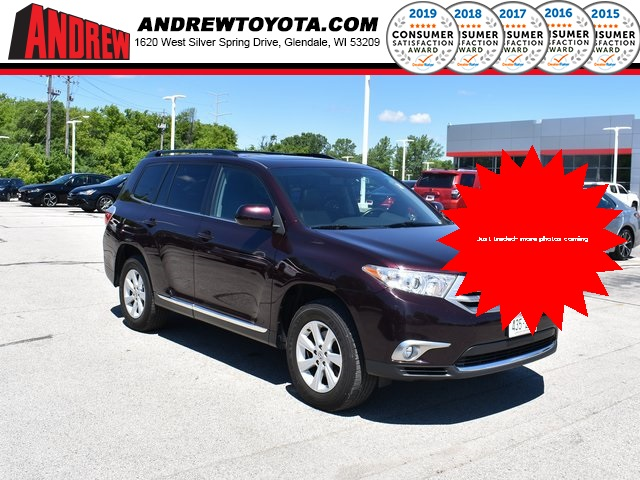 Stock #: TP1603 Red 2012 Toyota Highlander SE 4D Sport Utility in Milwaukee, Wisconsin 53209