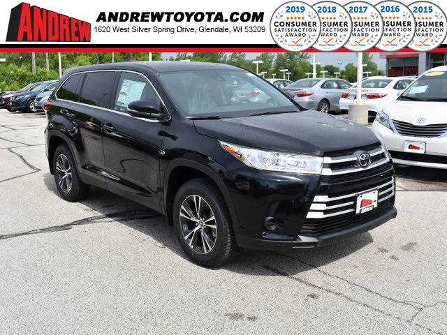 Stock #: 38081 Black 2019 Toyota Highlander LE 4D Sport Utility in Milwaukee, Wisconsin 53209