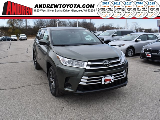 Stock #: 37167 Green 2019 Toyota Highlander LE 4D Sport Utility in Milwaukee, Wisconsin 53209