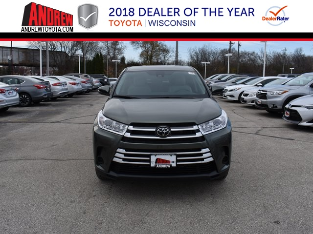 New toyota highlander le d sport utility in milwaukee