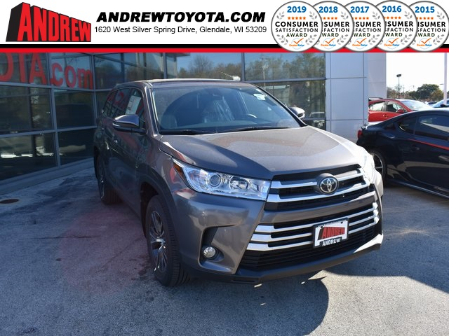 Stock #: 37106 Gray 2019 Toyota Highlander LE Plus 4D Sport Utility in Milwaukee, Wisconsin 53209