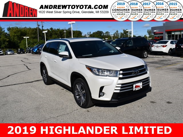 Stock #: 38642 White 2019 Toyota Highlander Limited 4D Sport Utility in Milwaukee, Wisconsin 53209