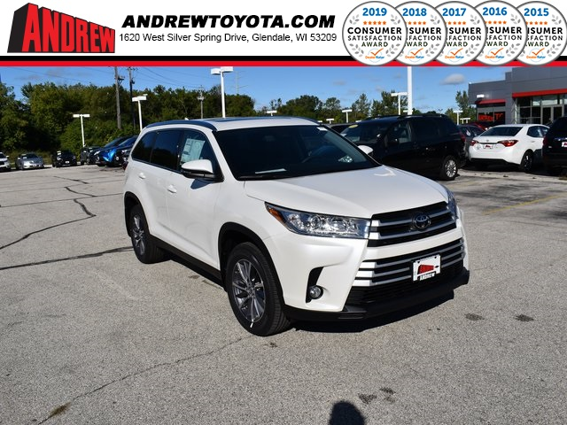 Stock #: 38642 Blizzard Pearl [extra_cost_color] 2019 Toyota Highlander Limited 4D Sport Utility in Milwaukee, Wisconsin 53209