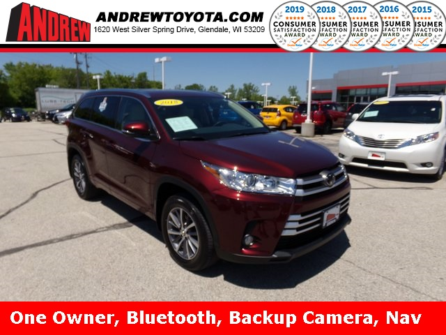 Stock #: 37830A Red 2018 Toyota Highlander XLE 4D Sport Utility in Milwaukee, Wisconsin 53209