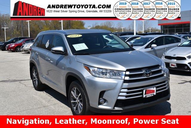 Stock #: TP1452 SILVER METALLIC 2017 Toyota Highlander XLE 4D Sport Utility in Milwaukee, Wisconsin 53209