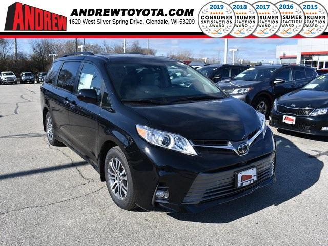 Stock #: 36958 Black 2019 Toyota Sienna XLE 4D Passenger Van in Milwaukee, Wisconsin 53209