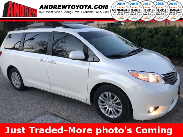 Stock 37055aa White 2017 Toyota Sienna Limited 4d Penger Van In Milwaukee Wisconsin