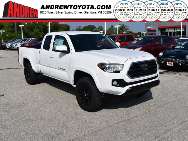 Stock #: 38585 White 2019 Toyota Tacoma SR5 4D Access Cab in Milwaukee, Wisconsin 53209