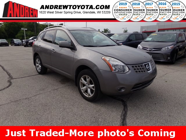 Stock #: 38201B Gray 2009 Nissan Rogue SL 4D Sport Utility in Milwaukee, Wisconsin 53209