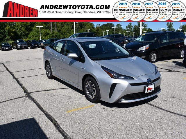 Stock #: 38501 Classic Silver Metallic 2019 Toyota Prius Limited 5D Hatchback in Milwaukee, Wisconsin 53209