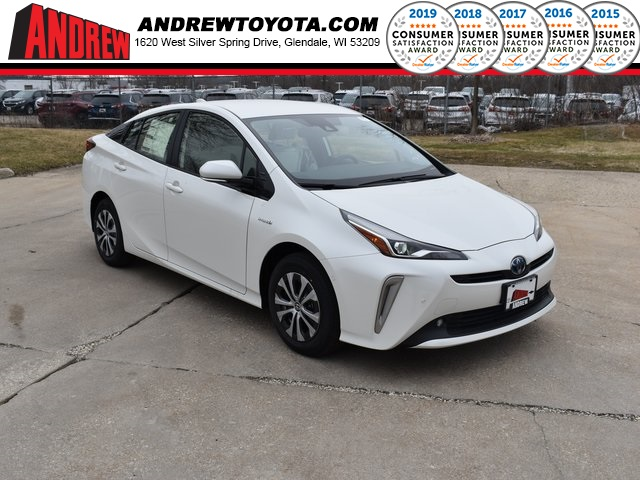 Stock #: 39376 Blizzard Pearl[extra_cost_color] 2020 Toyota Prius XLE AWD-e 5D Hatchback in Milwaukee, Wisconsin 53209