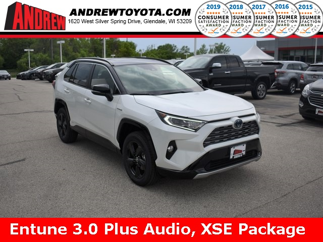 Stock #: 38079 White 2019 Toyota RAV4 Hybrid XSE 4D Sport Utility in Milwaukee, Wisconsin 53209