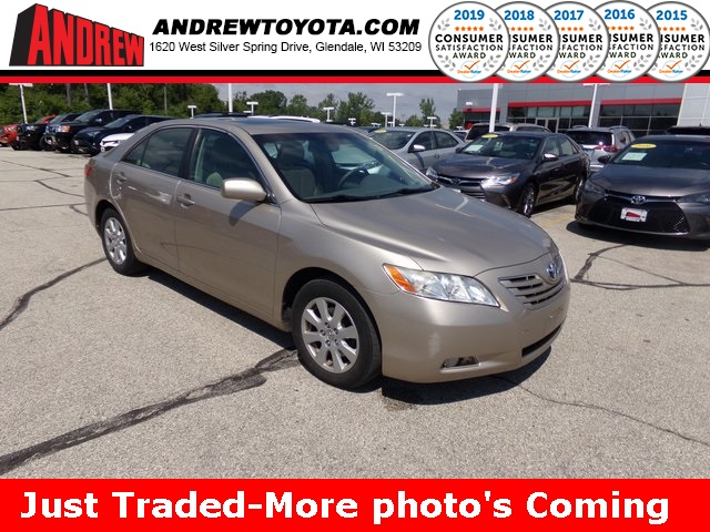 Stock #: 38112B Beige 2007 Toyota Camry XLE 4D Sedan in Milwaukee, Wisconsin 53209