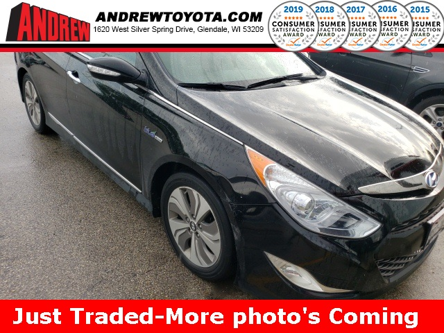 Stock #: TP9837A Black 2014 Hyundai Sonata Hybrid Limited 4D Sedan in Milwaukee, Wisconsin 53209