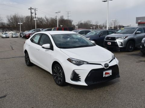 Stock #: 37661 White 2019 Toyota Corolla SE 4D Sedan in Milwaukee, Wisconsin 53209