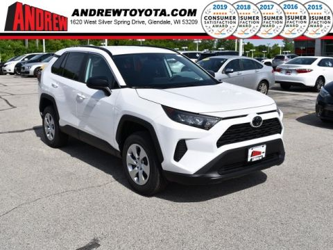 Stock #: 38110 White 2019 Toyota RAV4 LE 4D Sport Utility in Milwaukee, Wisconsin 53209