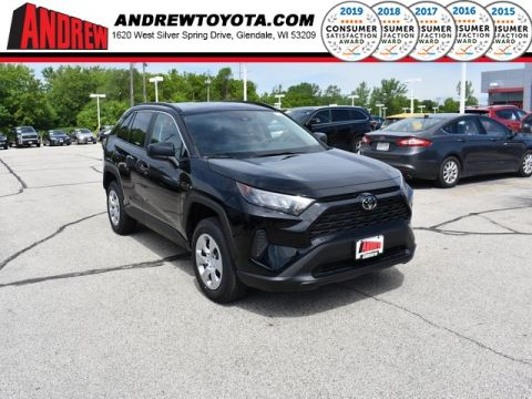 Stock #: 38062 Black 2019 Toyota RAV4 LE 4D Sport Utility in Milwaukee, Wisconsin 53209