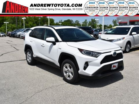 Stock #: 38115 White 2019 Toyota RAV4 Hybrid XLE 4D Sport Utility in Milwaukee, Wisconsin 53209