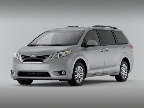 Stock #: 38135A White 2013 Toyota Sienna Limited 4D Passenger Van in Milwaukee, Wisconsin 53209