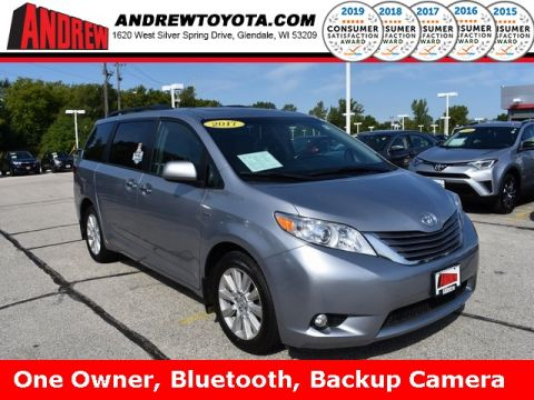 Stock #: 38093A Silver 2017 Toyota Sienna XLE 4D Passenger Van in Milwaukee, Wisconsin 53209