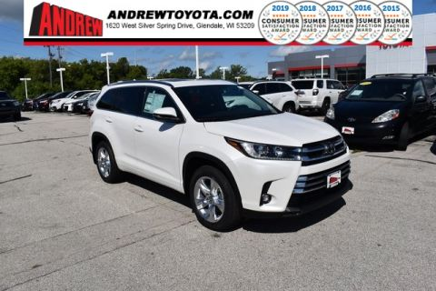Stock #: 38644 White 2019 Toyota Highlander Limited 4D Sport Utility in Milwaukee, Wisconsin 53209