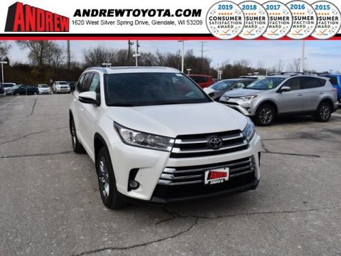 Stock #: 37404 White 2019 Toyota Highlander Limited 4D Sport Utility in Milwaukee, Wisconsin 53209