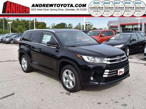 Stock #: 38643 Black 2019 Toyota Highlander Limited 4D Sport Utility in Milwaukee, Wisconsin 53209