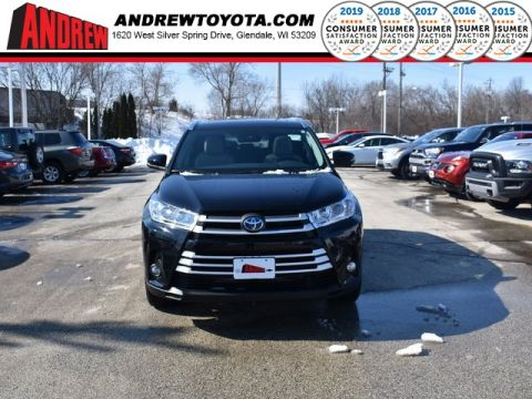 Stock #: 37550 Midnight Black Metallic 2019 Toyota Highlander Hybrid XLE 4D Sport Utility in Milwaukee, Wisconsin 53209