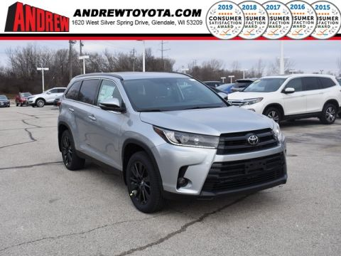 Stock #: 37462 Silver 2019 Toyota Highlander SE 4D Sport Utility in Milwaukee, Wisconsin 53209