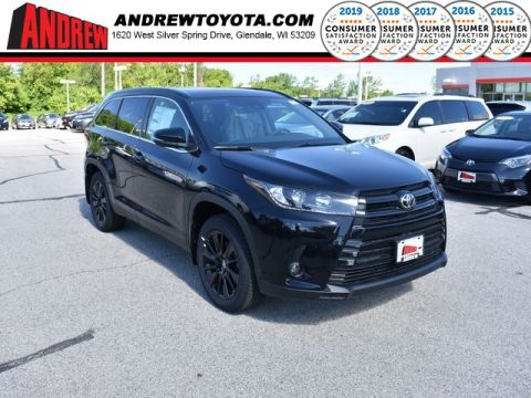 Stock #: 37959 Black 2019 Toyota Highlander SE 4D Sport Utility in Milwaukee, Wisconsin 53209