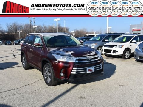Stock #: 37281 Red 2019 Toyota Highlander XLE 4D Sport Utility in Milwaukee, Wisconsin 53209