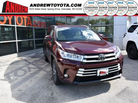 Stock #: 37025 Red 2019 Toyota Highlander XLE 4D Sport Utility in Milwaukee, Wisconsin 53209