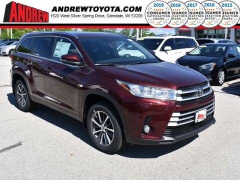 Stock #: 38049 Red 2019 Toyota Highlander XLE 4D Sport Utility in Milwaukee, Wisconsin 53209