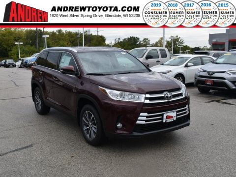 Stock #: 38721 Ooh La La Rouge Mica 2019 Toyota Highlander XLE 4D Sport Utility in Milwaukee, Wisconsin 53209